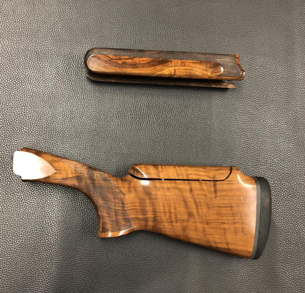 MX MODELS 12 GAUGE WITH DROP OUT TRIGGER GROUP ADJUSTABLE COMB STOCK AND FOREND WOOD SET - PREOWNED